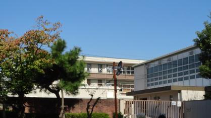 箕面市立 西南小学校の画像2