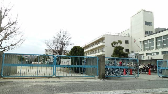 箕面市立 豊川南小学校の画像