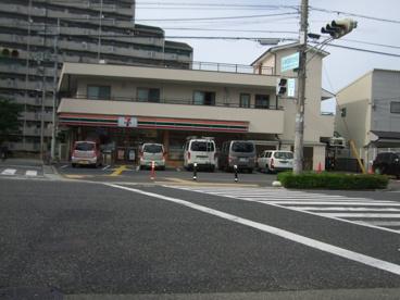 セブンイレブン名神南店の画像1