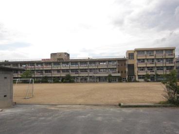 天理市立 櫟本小学校の画像2