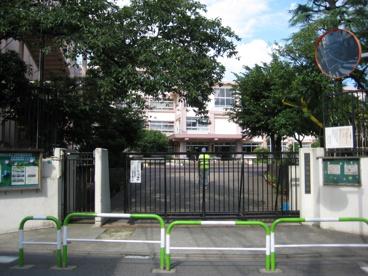 豊島区立 巣鴨小学校の画像1