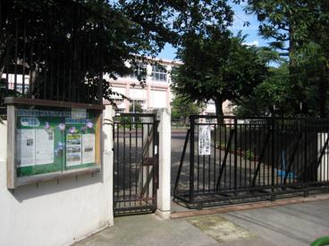 豊島区立 巣鴨小学校の画像3