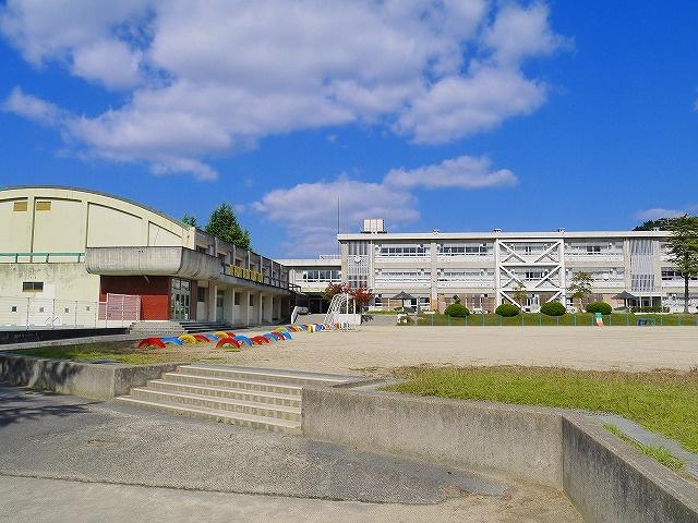 天理市立山の辺小学校の画像