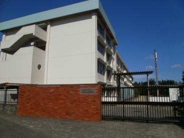 大坂上中学校の画像1