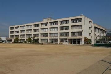 八尾市立 亀井小学校の画像2