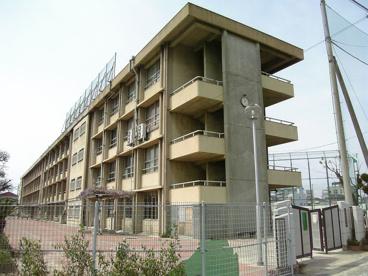 龍華中学校の画像1