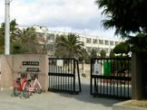 八尾中学校