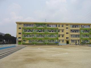 八尾市立 東山本小学校の画像2