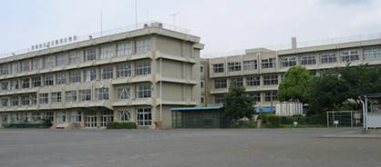武蔵村山市立雷塚小学校の画像1