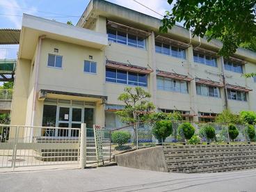 奈良市立あやめ池小学校の画像1