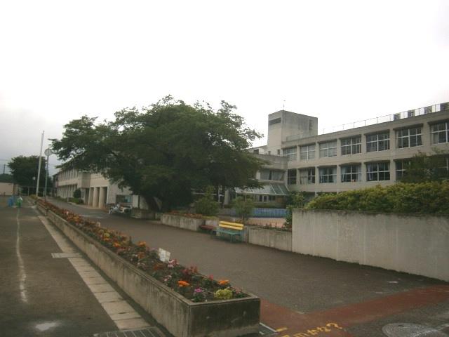 鶴ヶ島市立 新町小学校の画像