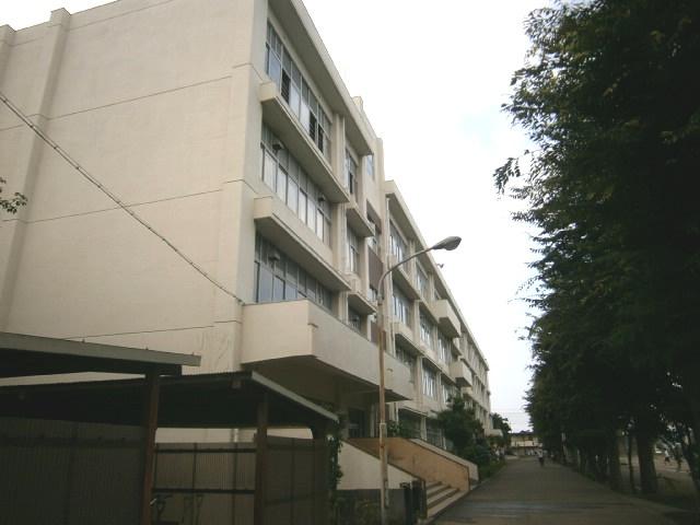 富士見中学校の画像