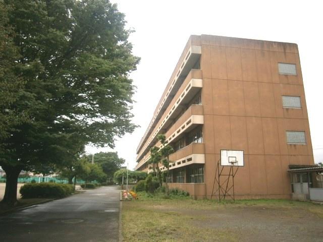 鶴ヶ島市立西中学校の画像