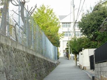 神戸市立飛松中学校の画像1