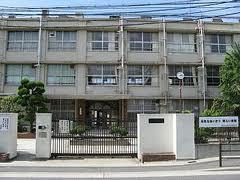 大阪市立西淀中学校の画像1