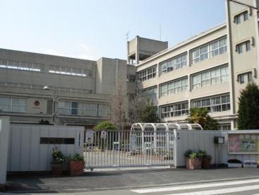 伊丹市立 花里小学校の画像1