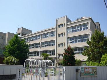 伊丹市立 花里小学校の画像2