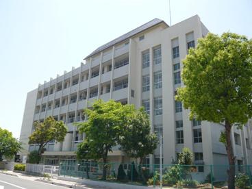 伊丹市立松崎中学校の画像2